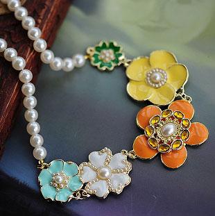 春色花朵珍珠项链