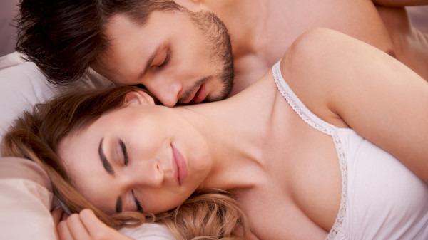 性爱时女士下面很干是什么原因,性生活时女性阴道干涩怎么办