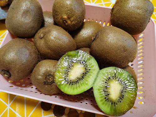 红心猕猴桃和绿心猕猴桃的区别,红心猕猴桃的功效